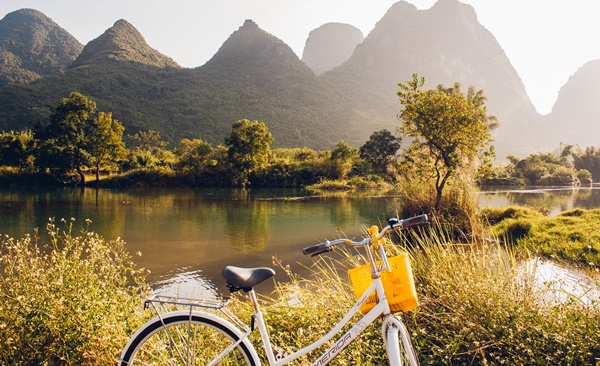 Cycling Vietnam South to North