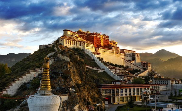 From Lhasa to Everest Base Camp
