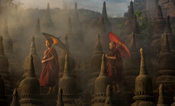Tour Highlights for Myanmar Through The Lens: Iconic Photography Tour