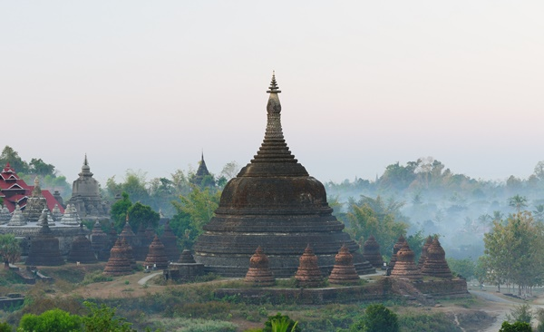 Tour Highlights for The Lost City of Mrauk U