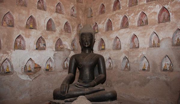 sisaket-buddha-upclose