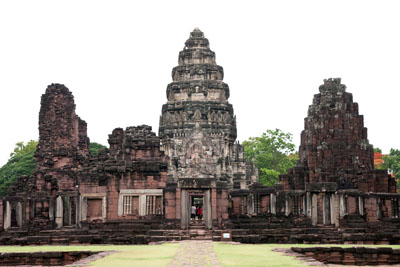 th-nakhon-ratchasima-exterior-view-of-prasat-hin-phimai