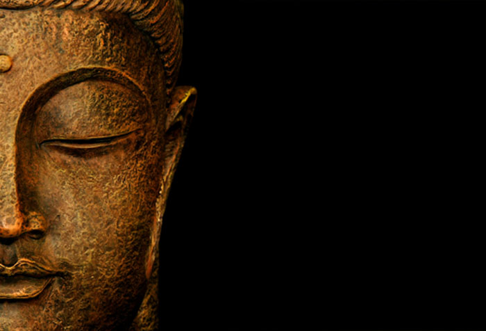 gen-statue-representing-the-portrait-of-buddha-in-meditation-copy-space