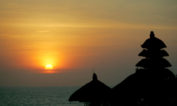 indo-bali-sunset-temple
