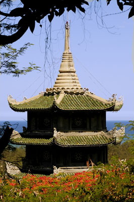 vn-danang-temple-in-marble-mountain