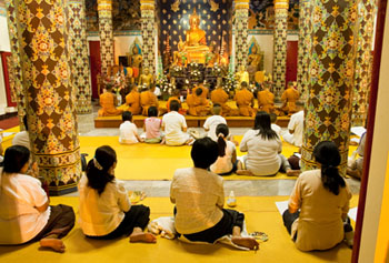 th-worshippers-in-a-thai-temple