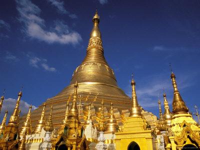 golden-stupa-of-shwedagon-pagoda