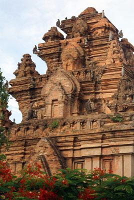 vn-nha-trang-po-ngar-cham-towers-complex