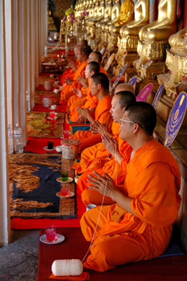 312dea713e Why do Buddhist Monks wear Orange Clad Robes and Shave their Heads ...