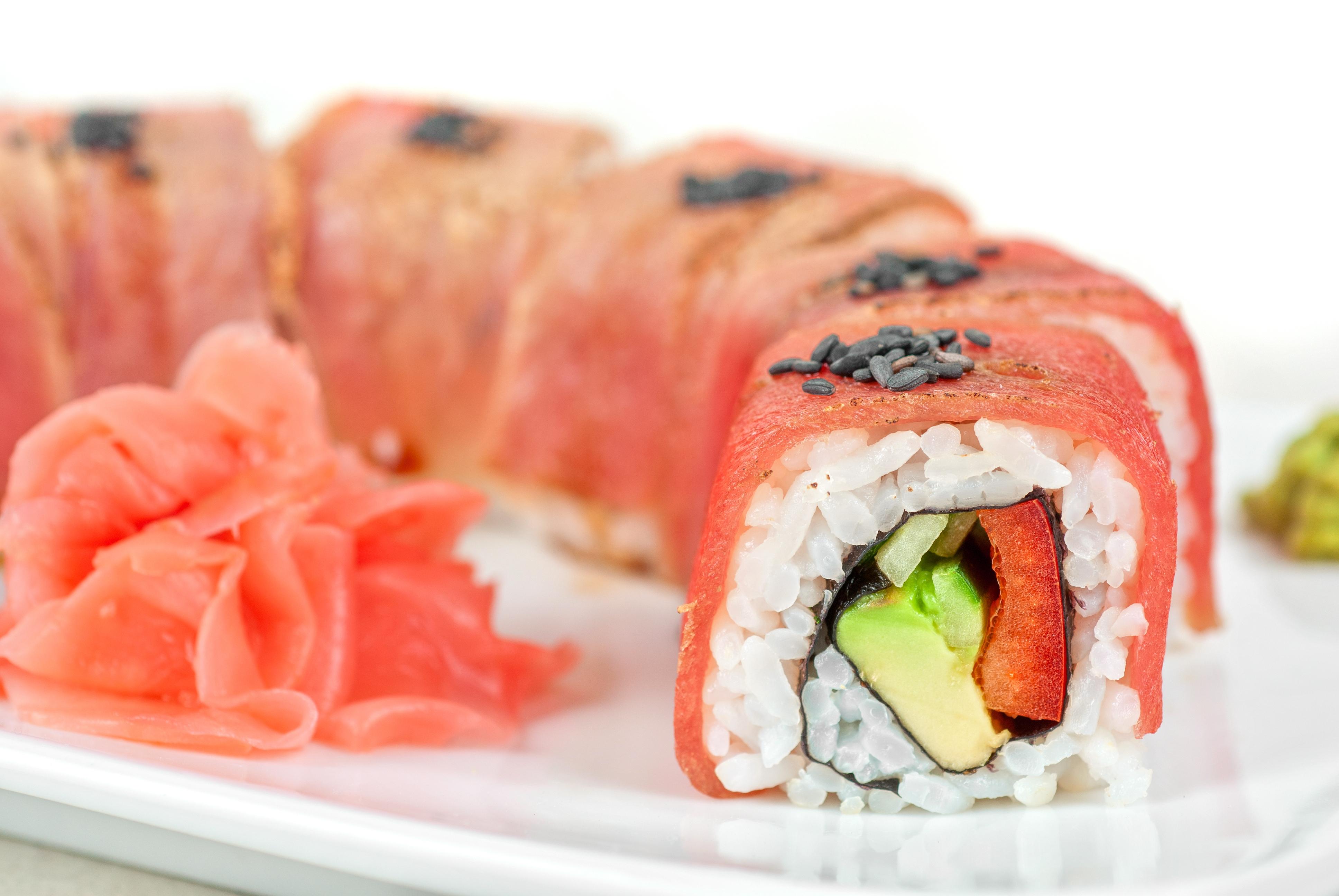 how to make tuna sushi rolls
