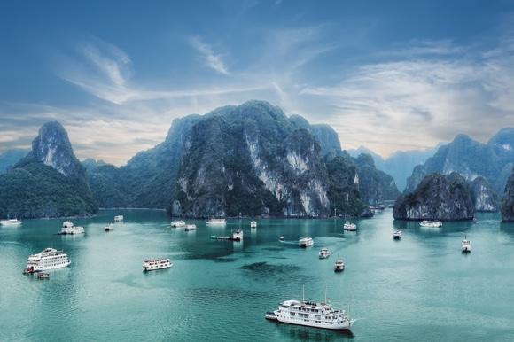 Family Travel - Halong Bay, Vietnam