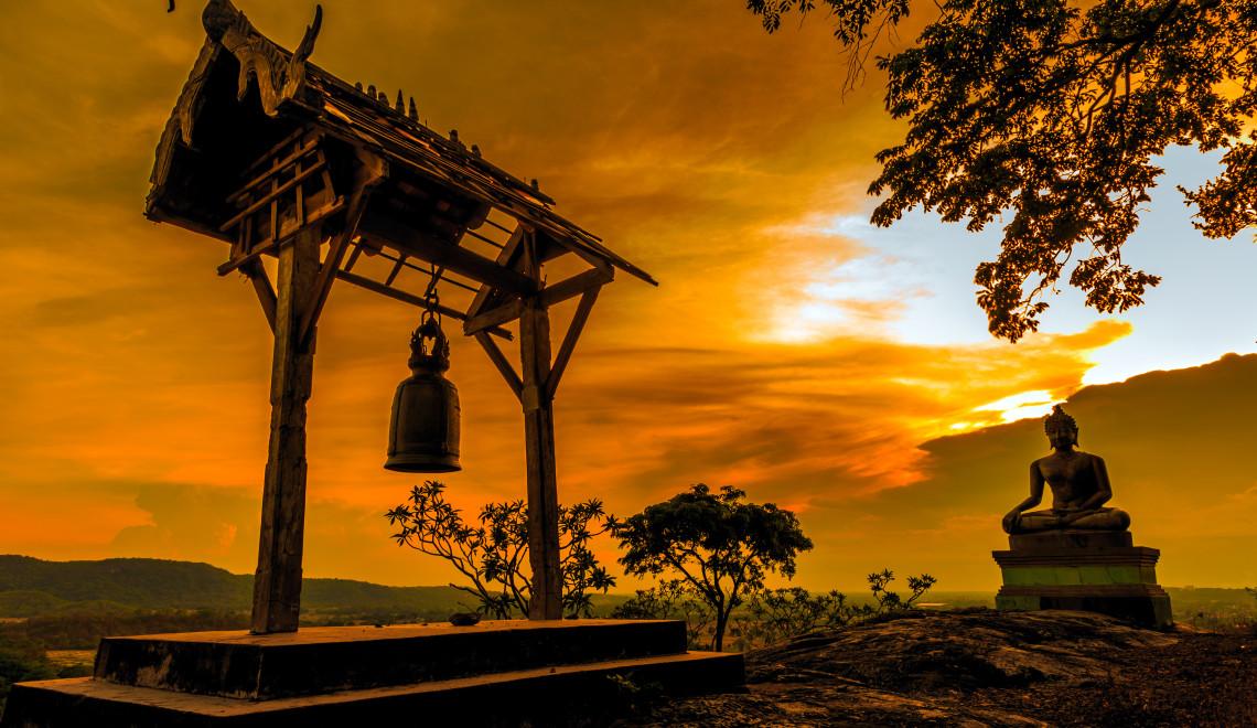 Thailand-ARCHITECTURE-Saraburi-Buddha-statue-at-sunset