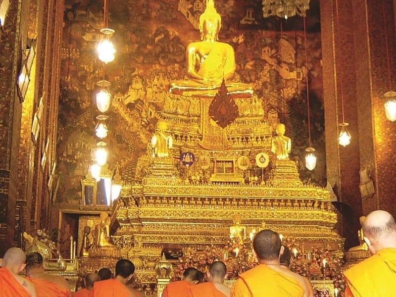 Photo of Chanting At Wat Pho, thailand