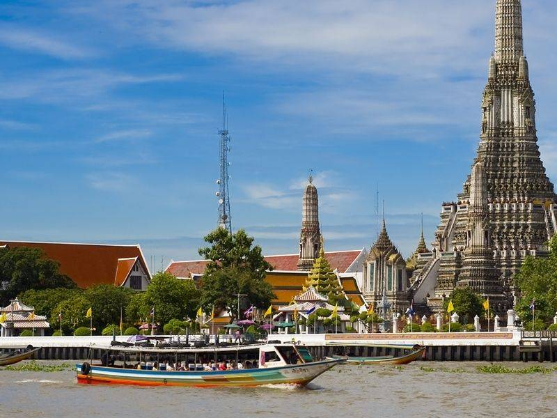 Photo of Thonburi Klong incl. Wat Arun & Royal Barge by LB, thailand