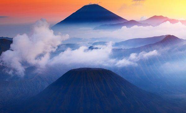 Tour Highlights for Trekking East Java Four Volcano Summit