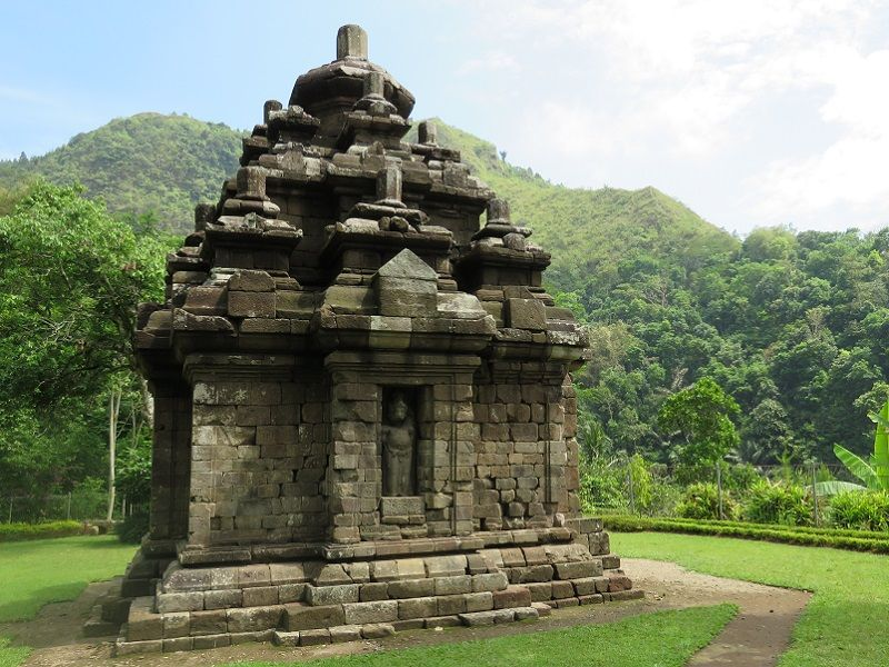 Photo of Selogriyo Temple Trekking, indonesia